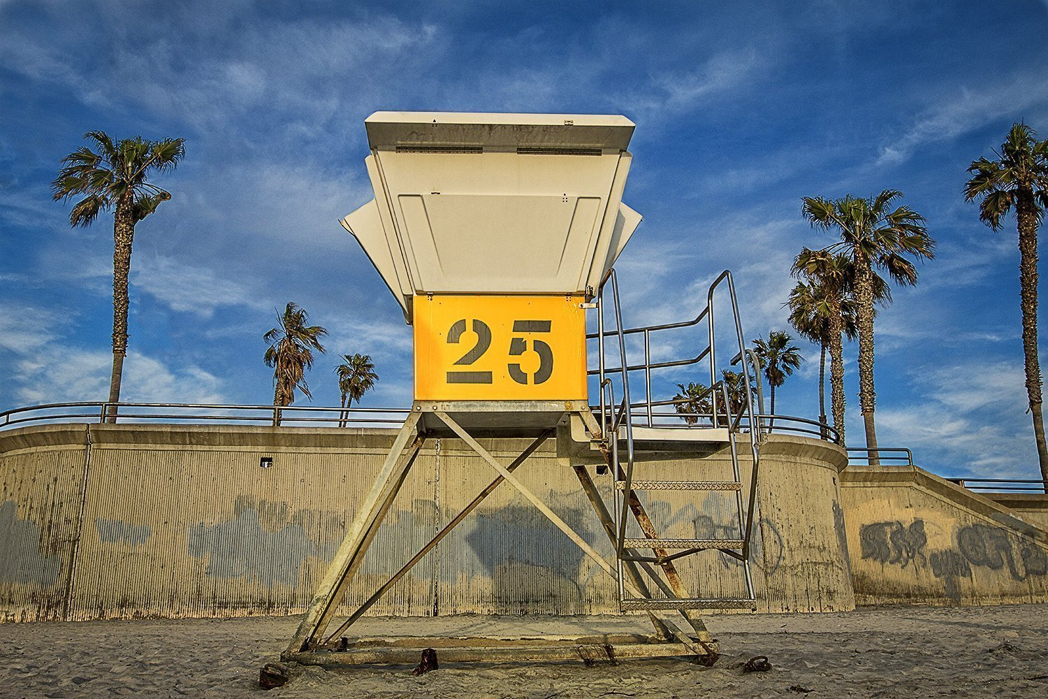 life guard tower 25