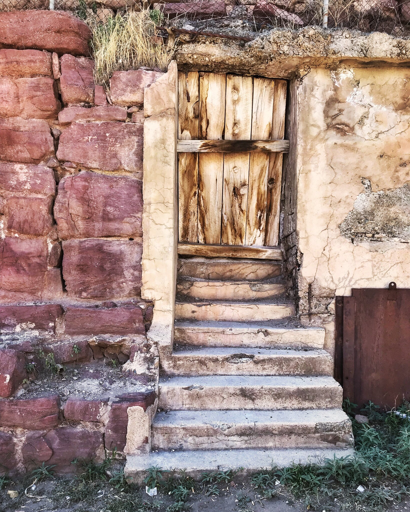 door, rock, gate to hell, Jerome, short story, flash fiction, texture