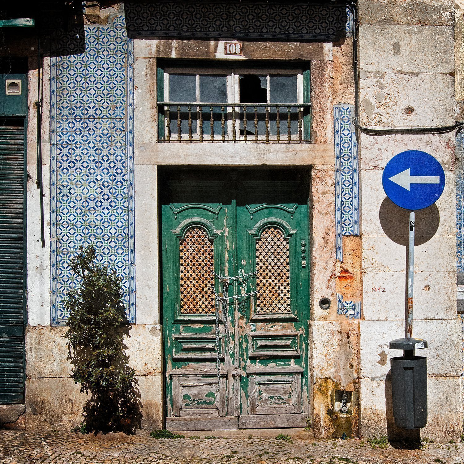 Postcard-sized flash fiction about the things we think we know, old doors and life and everything in between. And it all starts with an image...